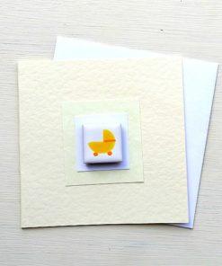 Grußkarte mit Magnet-Fliese. Kinderwagen, Geburt und Baby